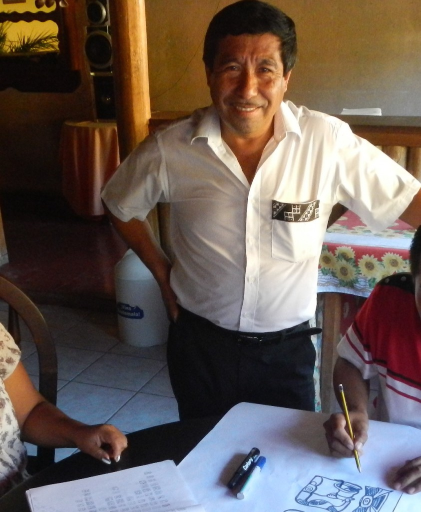 Otoniel Caal, president of the Mopan Linguistic Community, promoted the workshop in San Luis.