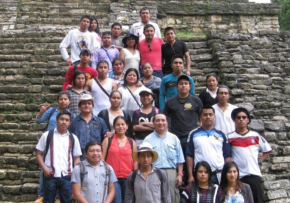 Group of students, teachers, and team PLFM at Palenque, at the Cross Group.