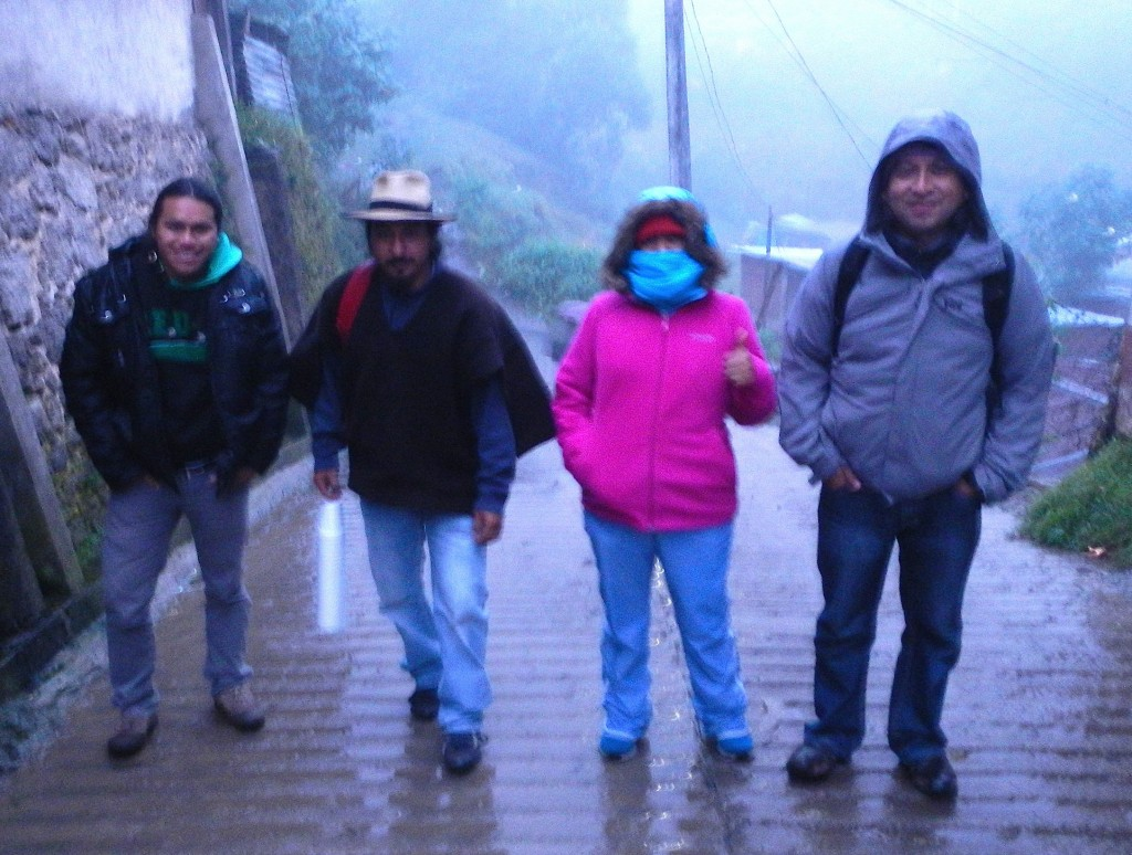 On the street to the Maya altar of Jolom Konob'; (from left to right) Kaxho, B'alam Sotz', Karina Coy and Igor Xoyon.